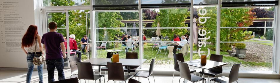 Aprs La Visite Du Muse Profitez Dun Moment De Dtente Au Caf Des Arts